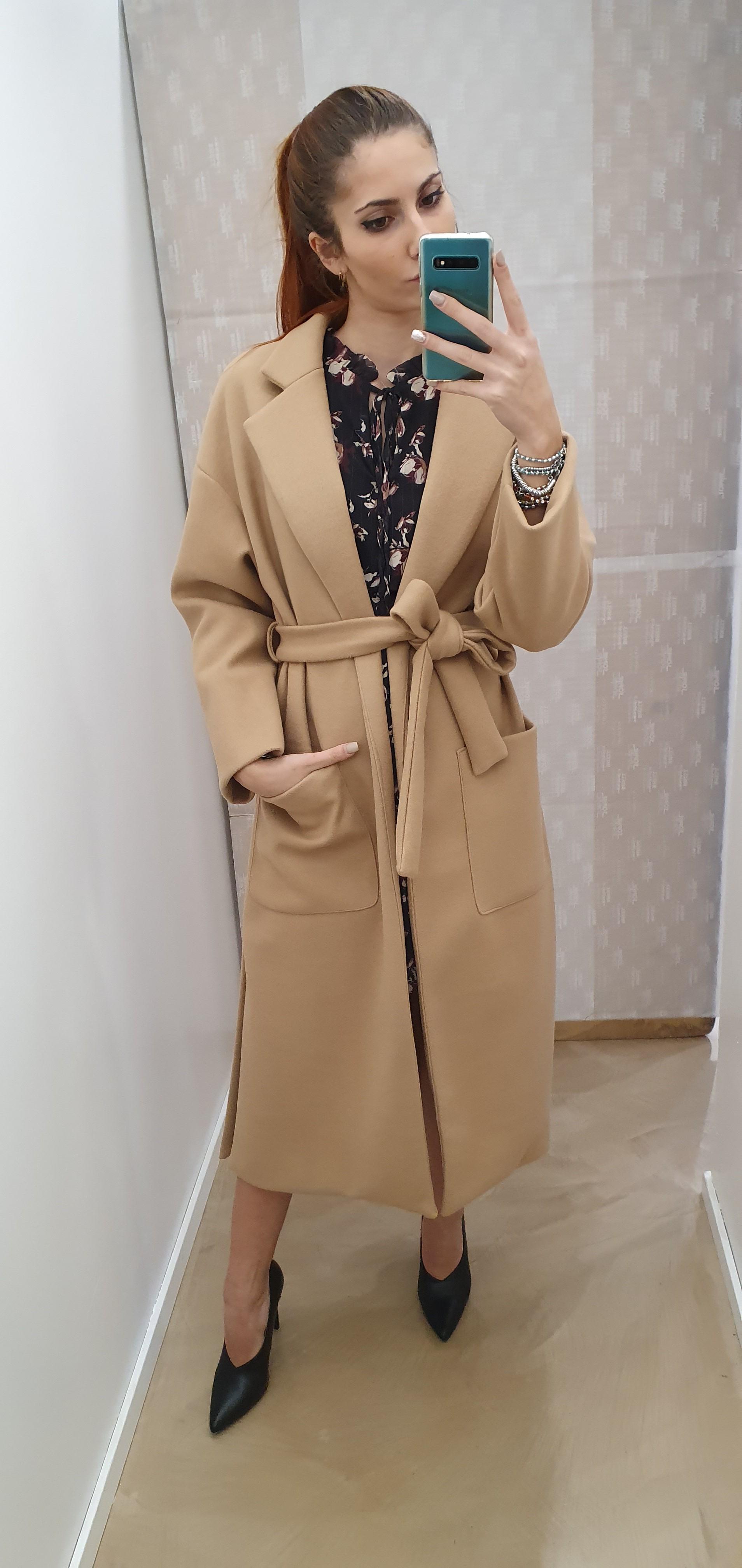 Cappotto lungo cammello con cintura